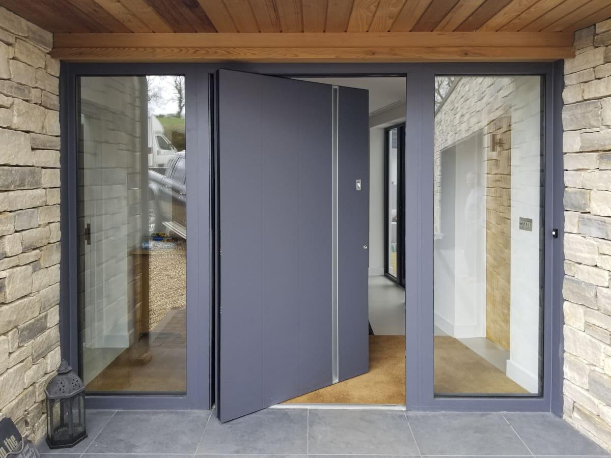RK pivot exclusive doors